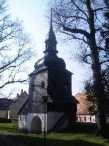 Glockenturm der Kirche Lawalde, Foto von der Südseite